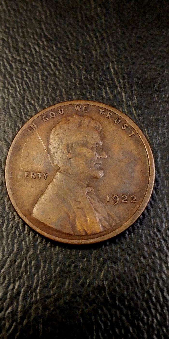 Coin Photography Set Up Results: Counterfeit 1922 No D Lincoln Wheat Cent, Obverse. This counterfeit 1922 No D is an excellent example of why more than one photograph of each side is needed.